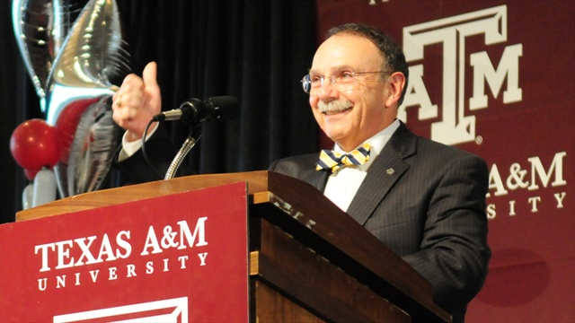 R. Bowen Loftin to step down as A&M President in January 2014