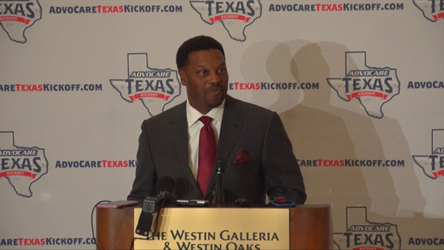 Kevin Sumlin reveals optimism at Houston Touchdown Club luncheon